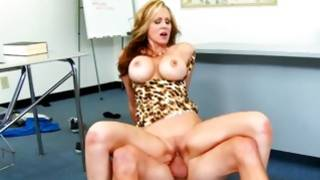 Tiger T-shirt breasty MILF gets hold of cruelly fucked by a dude
